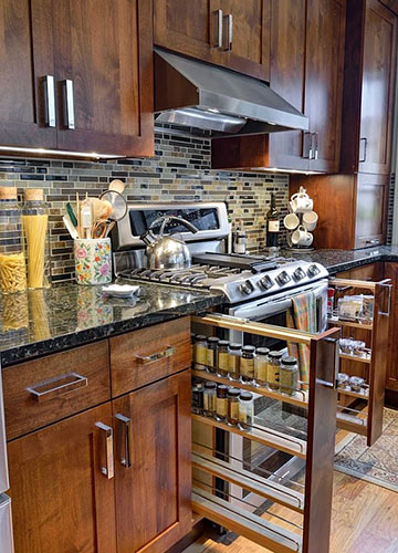 Kitchen Cabinets & Design